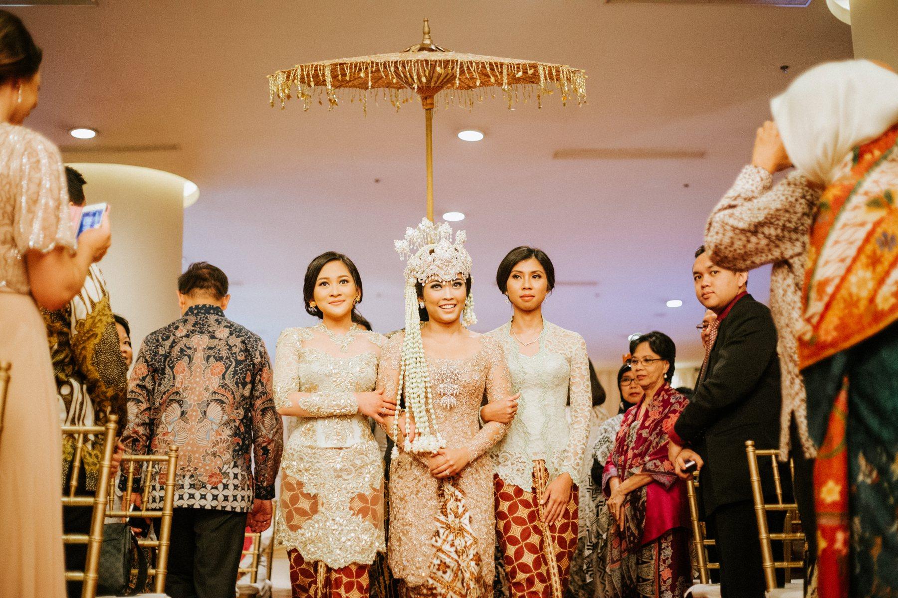 Ritz carlton wedding safira robert antijitters photo for Adi adrian salon
